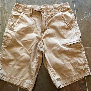 Men's Urban Pipeline ultimate flex shorts. Size 29